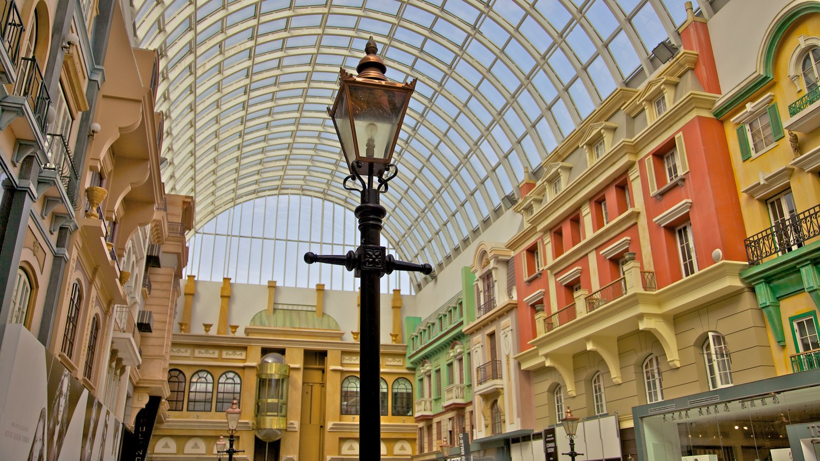 West Edmonton Mall featuring shopping and interior views