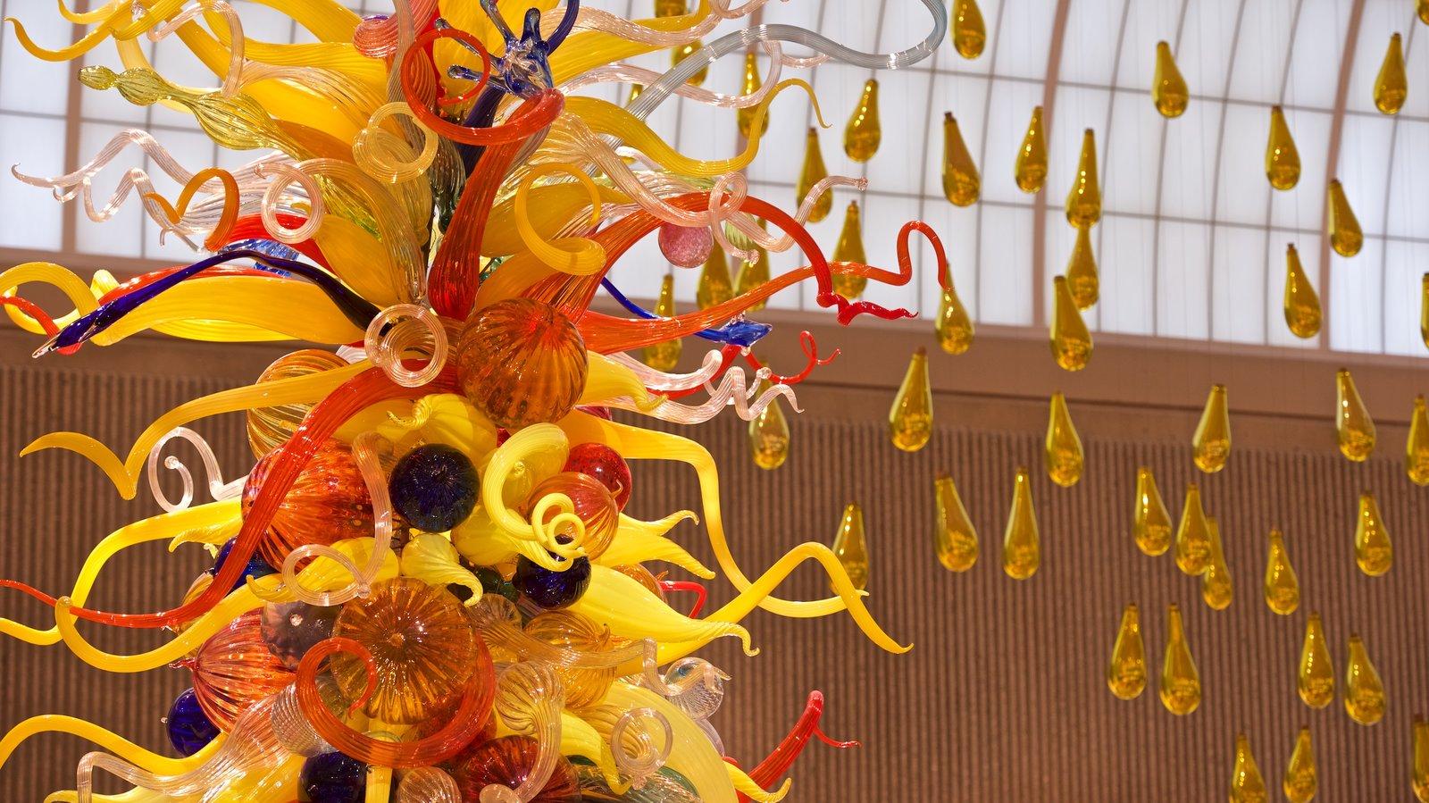Palm Springs Art Museum que inclui arte e vistas internas