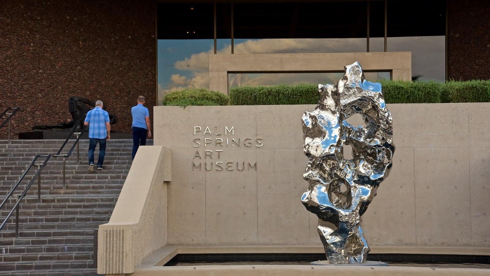 Palm Springs Art Museum caracterizando arte ao ar livre