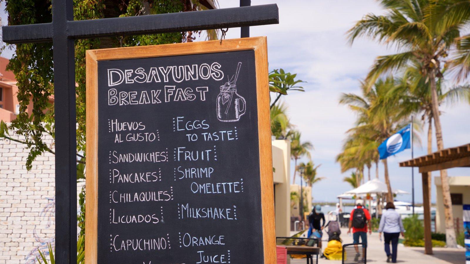 Puerto deportivo Marina Cortez ofreciendo señalización