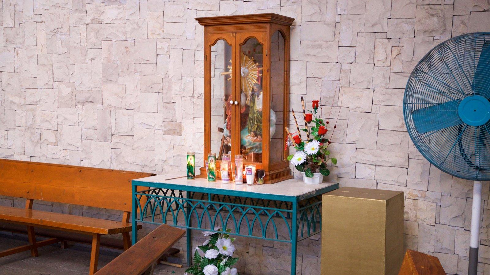 Santuario de la Virgen de Guadalupe mostrando elementos religiosos y vistas interiores