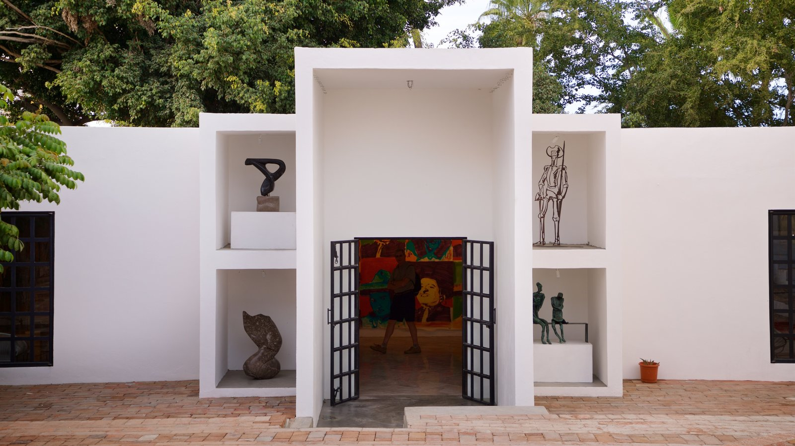 San Jose del Cabo Art District featuring outdoor art