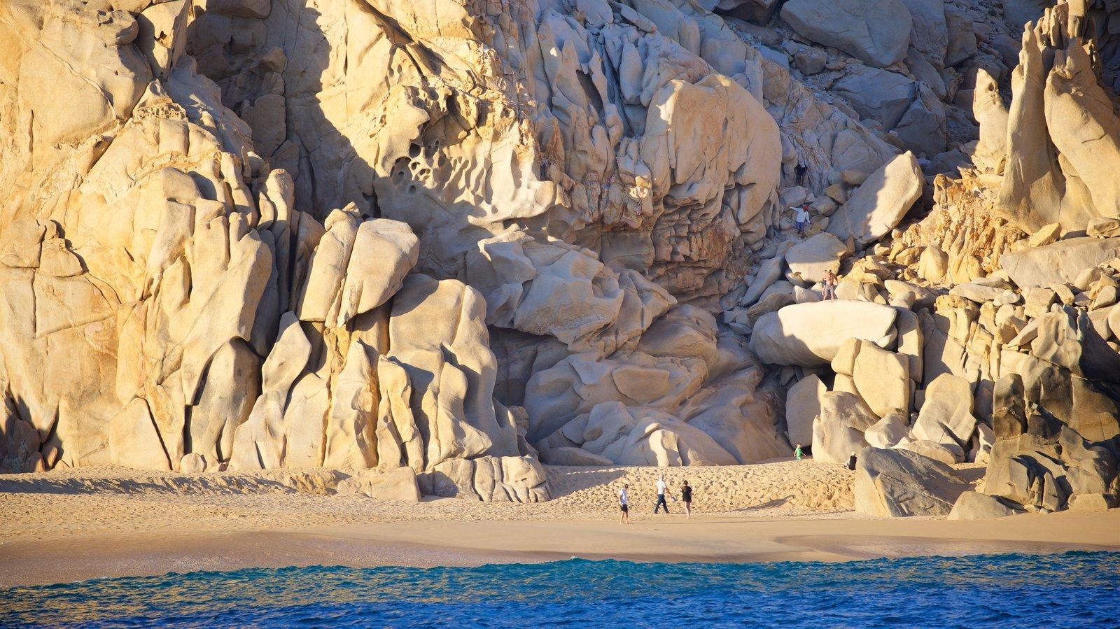 Playa Divorce mostrando vistas generales de la costa, una playa y costa rocosa