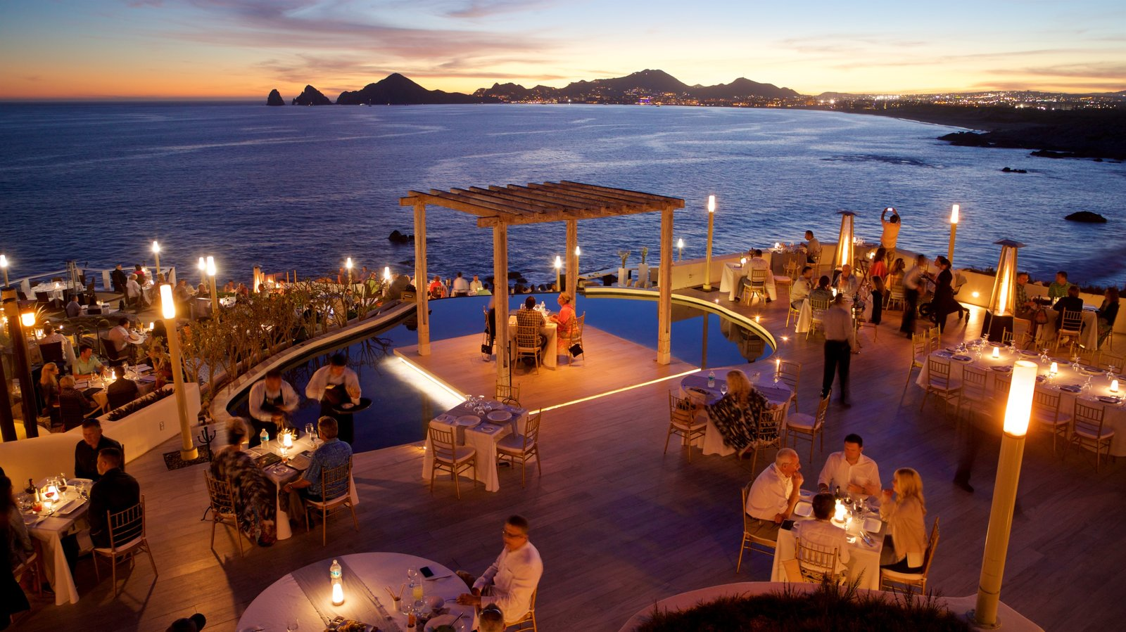 San Jose del Cabo showing dining out, night scenes and outdoor eating