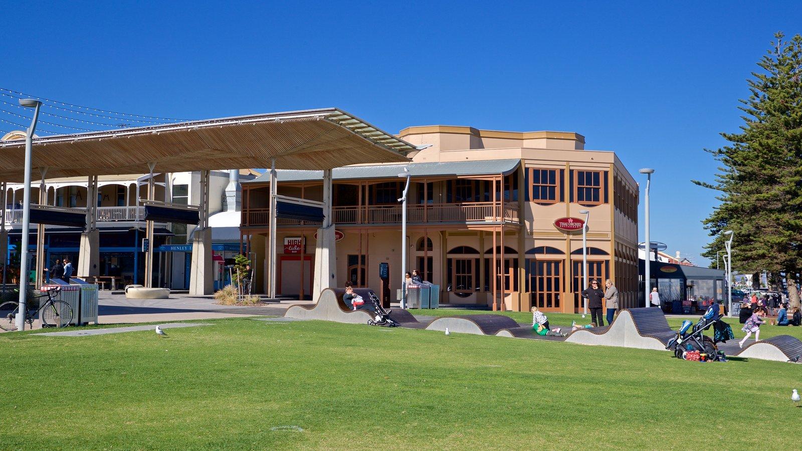 Playa Henley que incluye un jardín