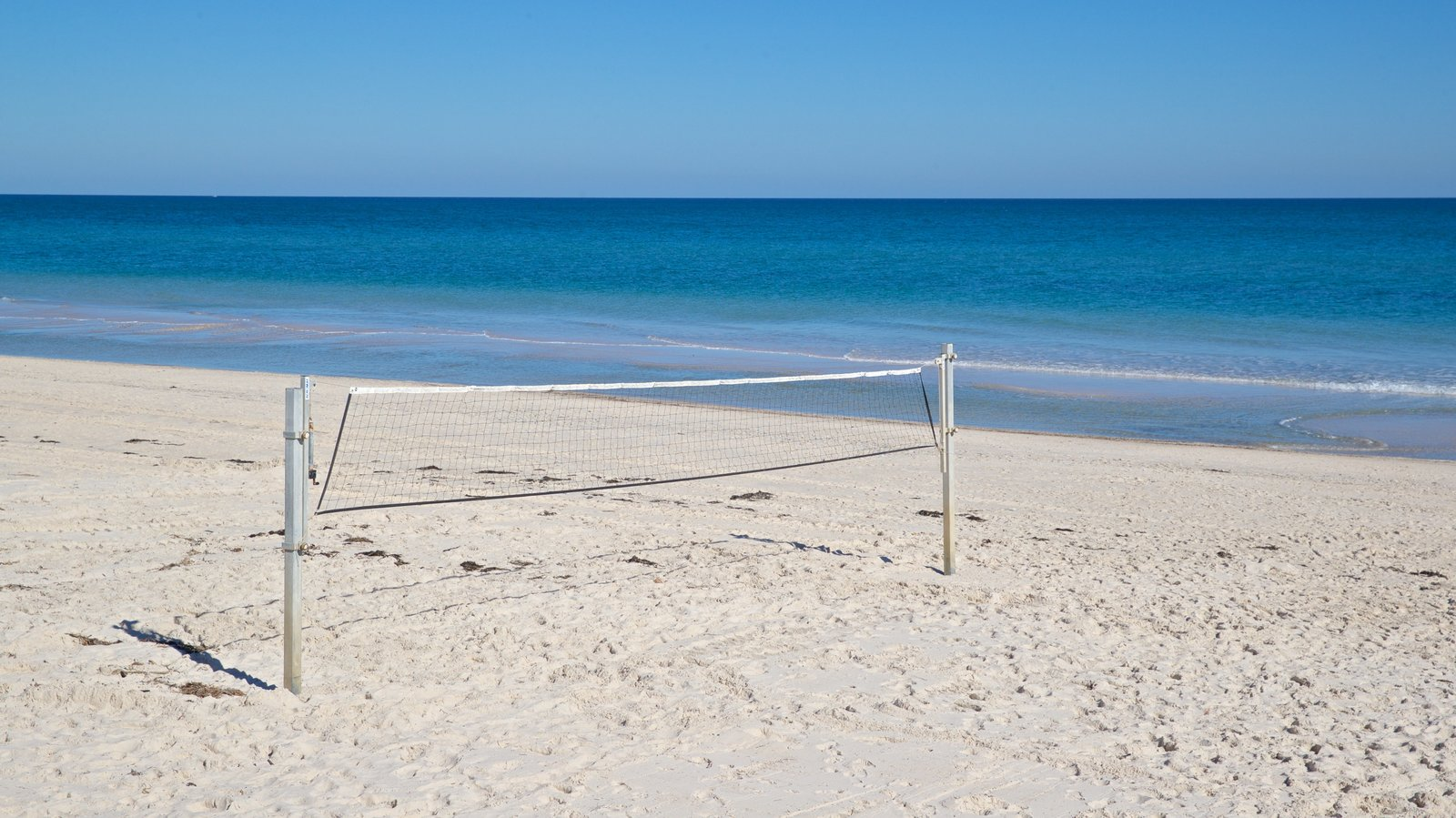 Playa Henley mostrando vistas generales de la costa y una playa