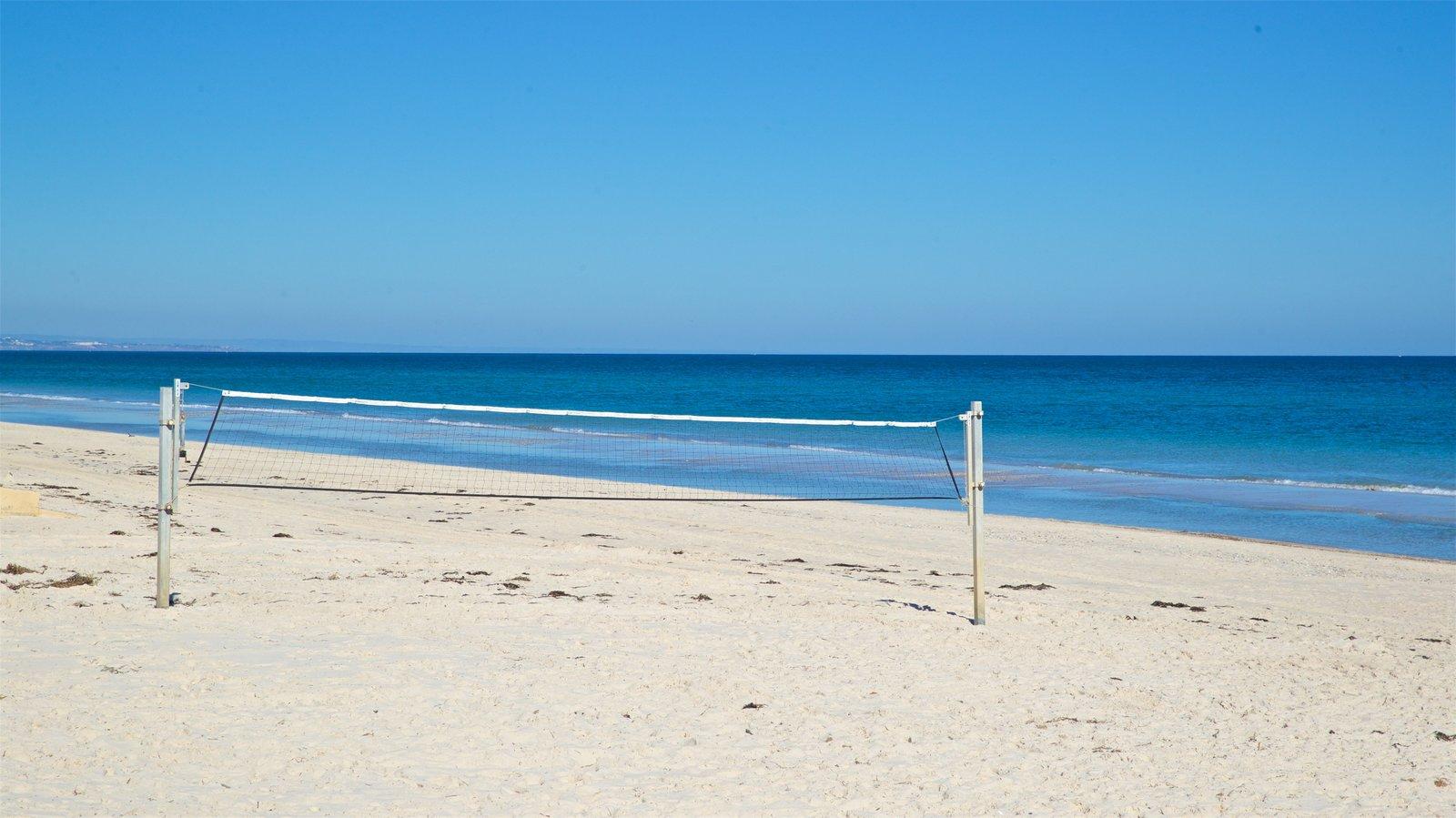 Playa Henley que incluye una playa y vistas generales de la costa
