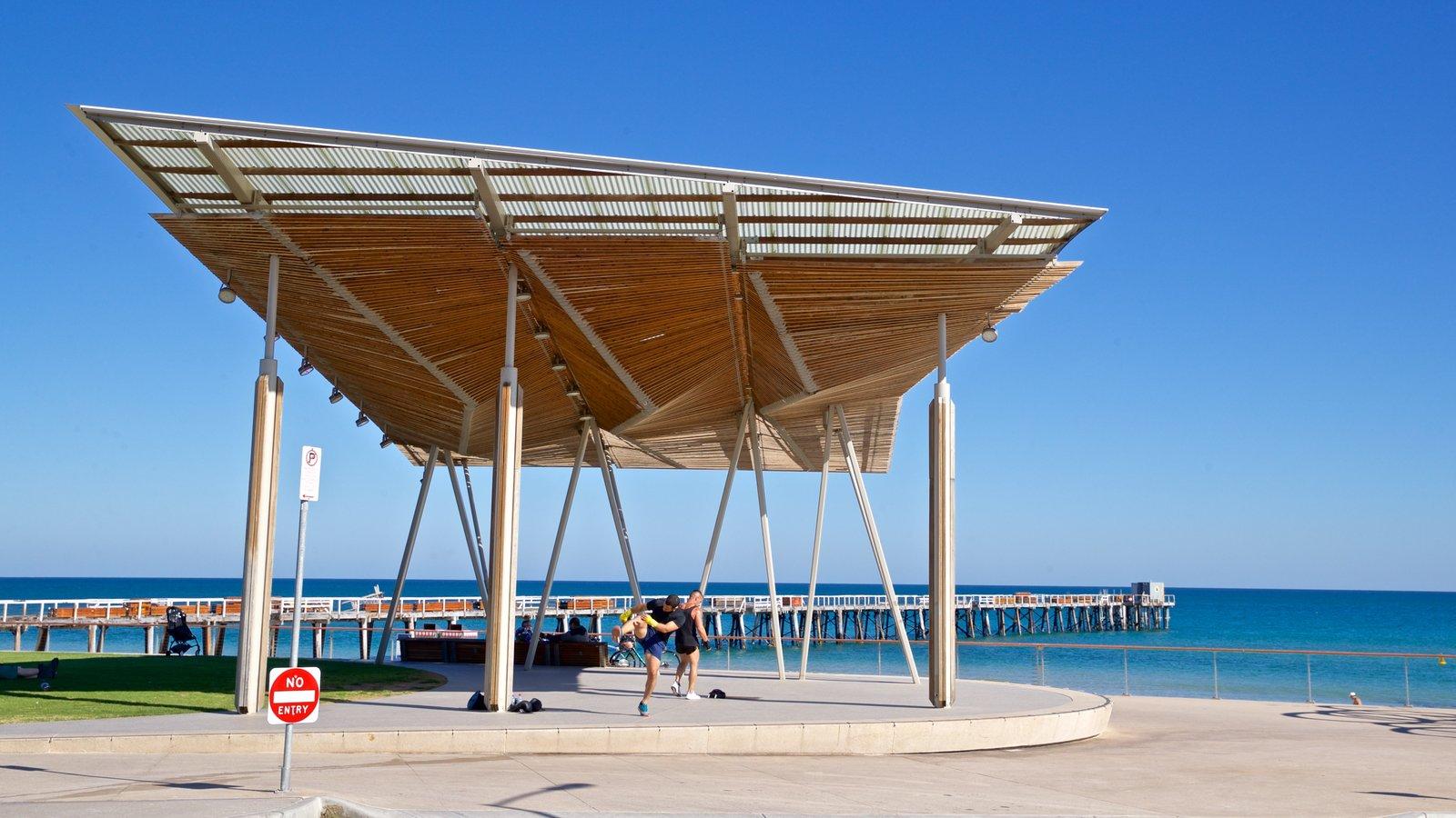 Playa Henley ofreciendo vistas generales de la costa