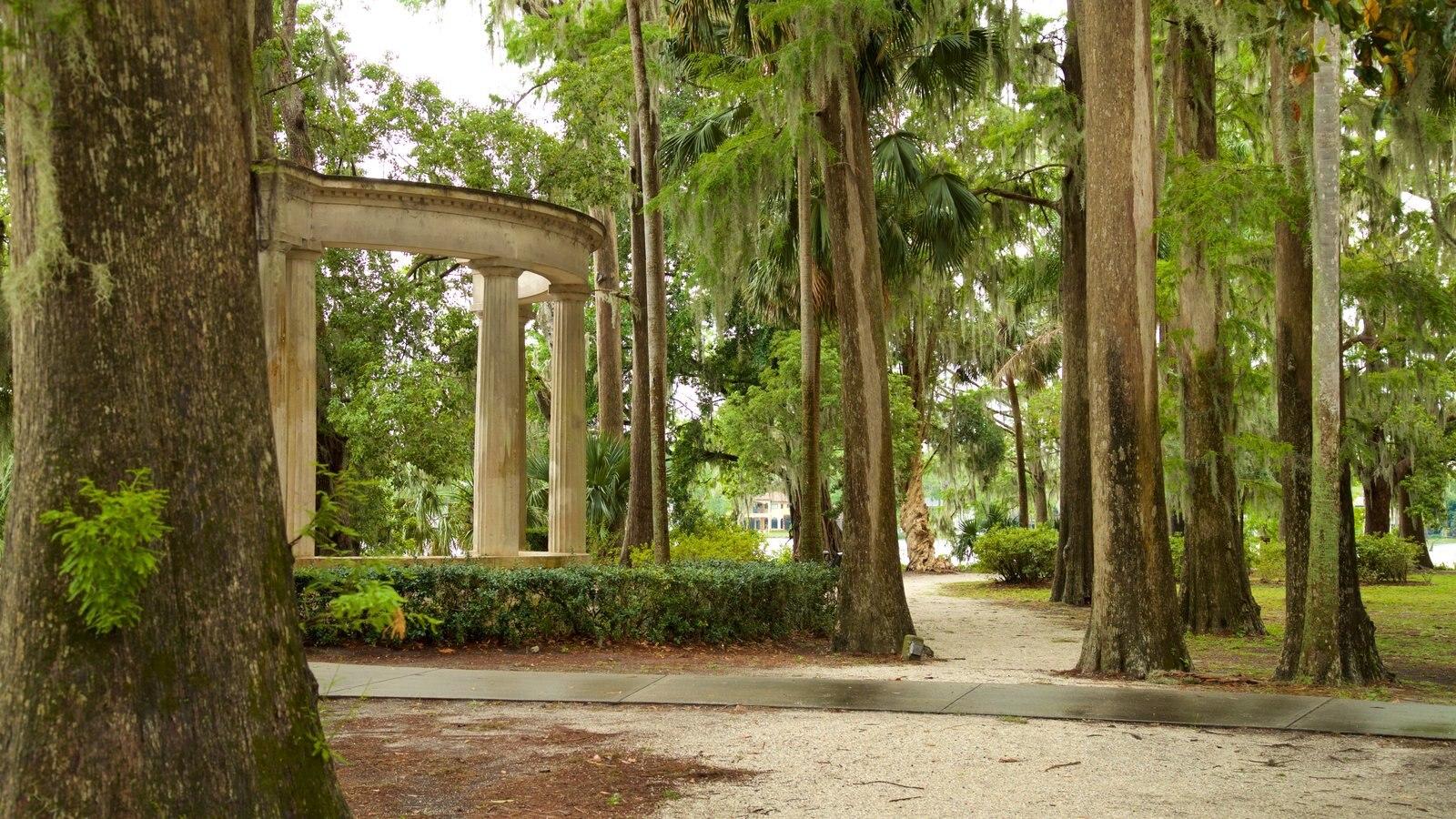 Jardines de Kraft Azalea mostrando un parque