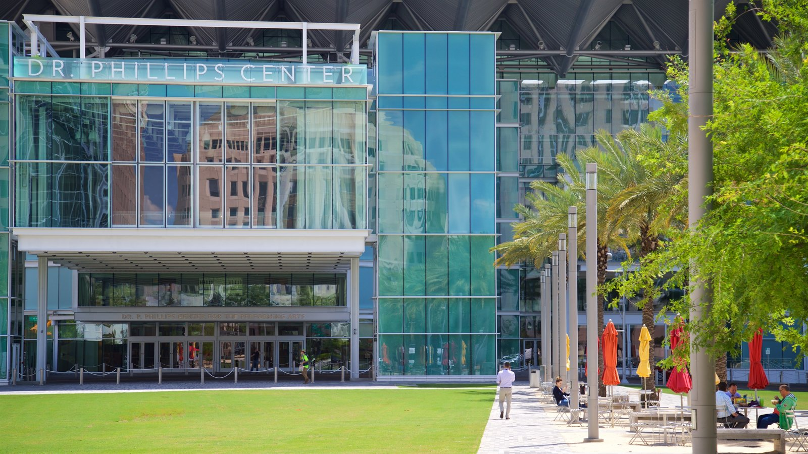 Dr. Phillips Center for the Performing Arts which includes modern architecture
