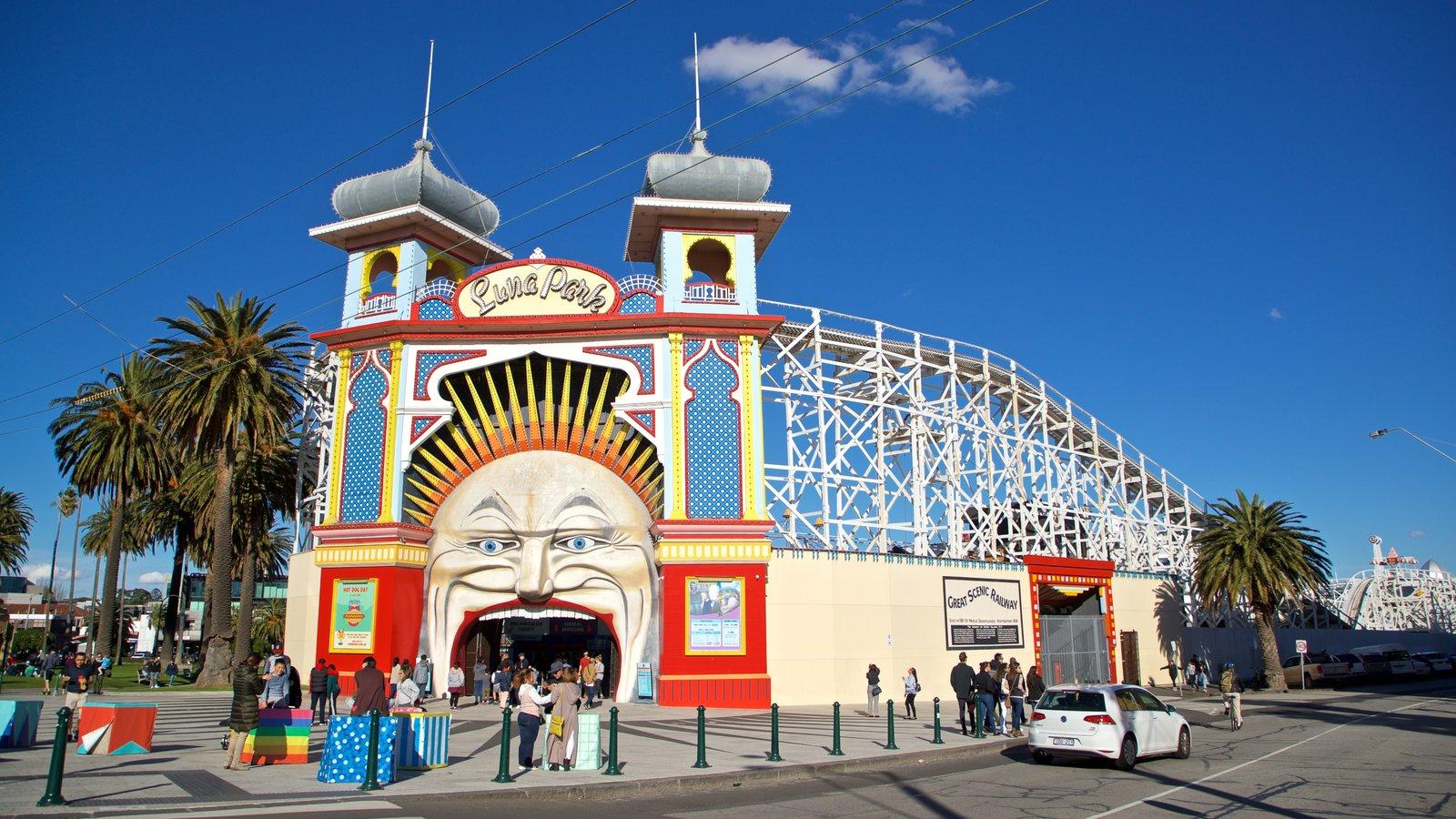 Luna Park showing rides