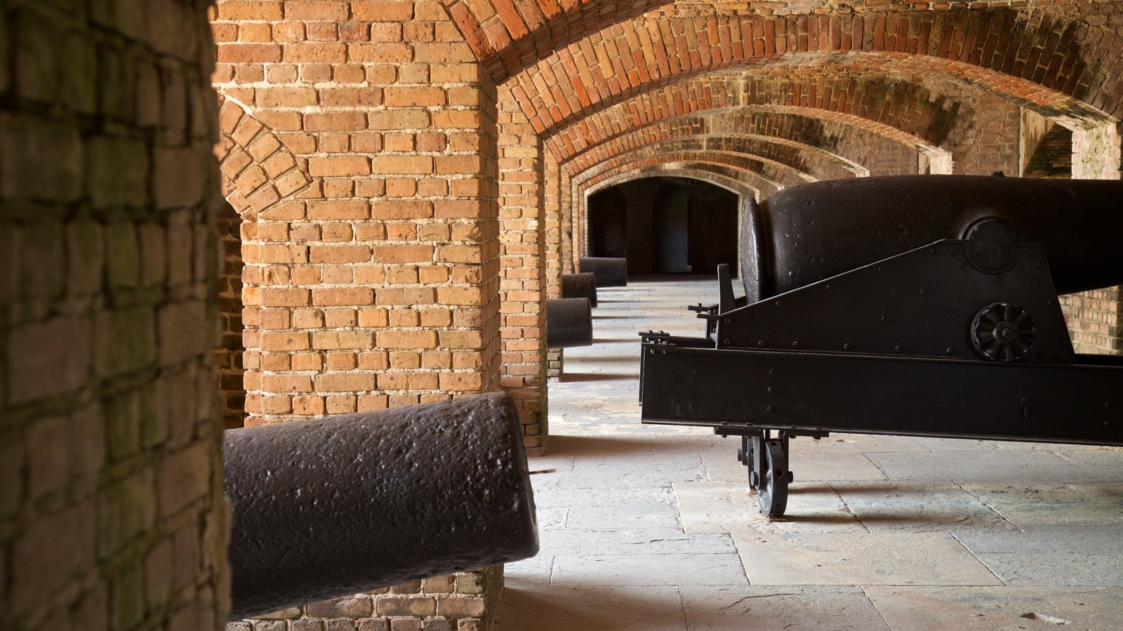 Fort Zachary Taylor Historic State Park showing interior views, heritage elements and military items