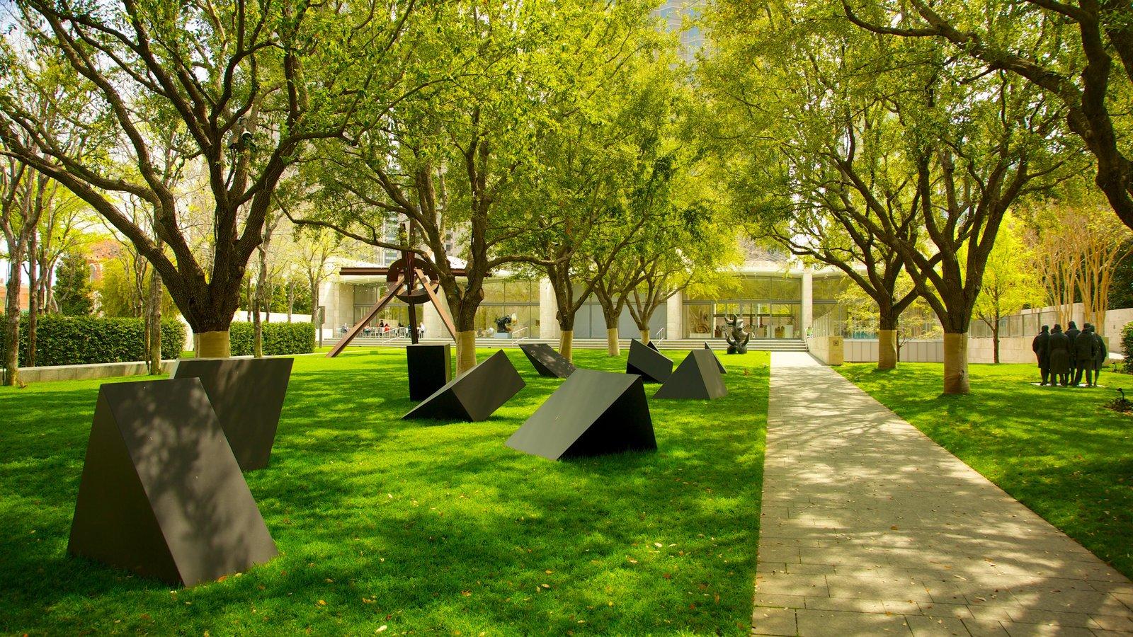 Nasher Sculpture Center mostrando um jardim, arte ao ar livre e arquitetura moderna