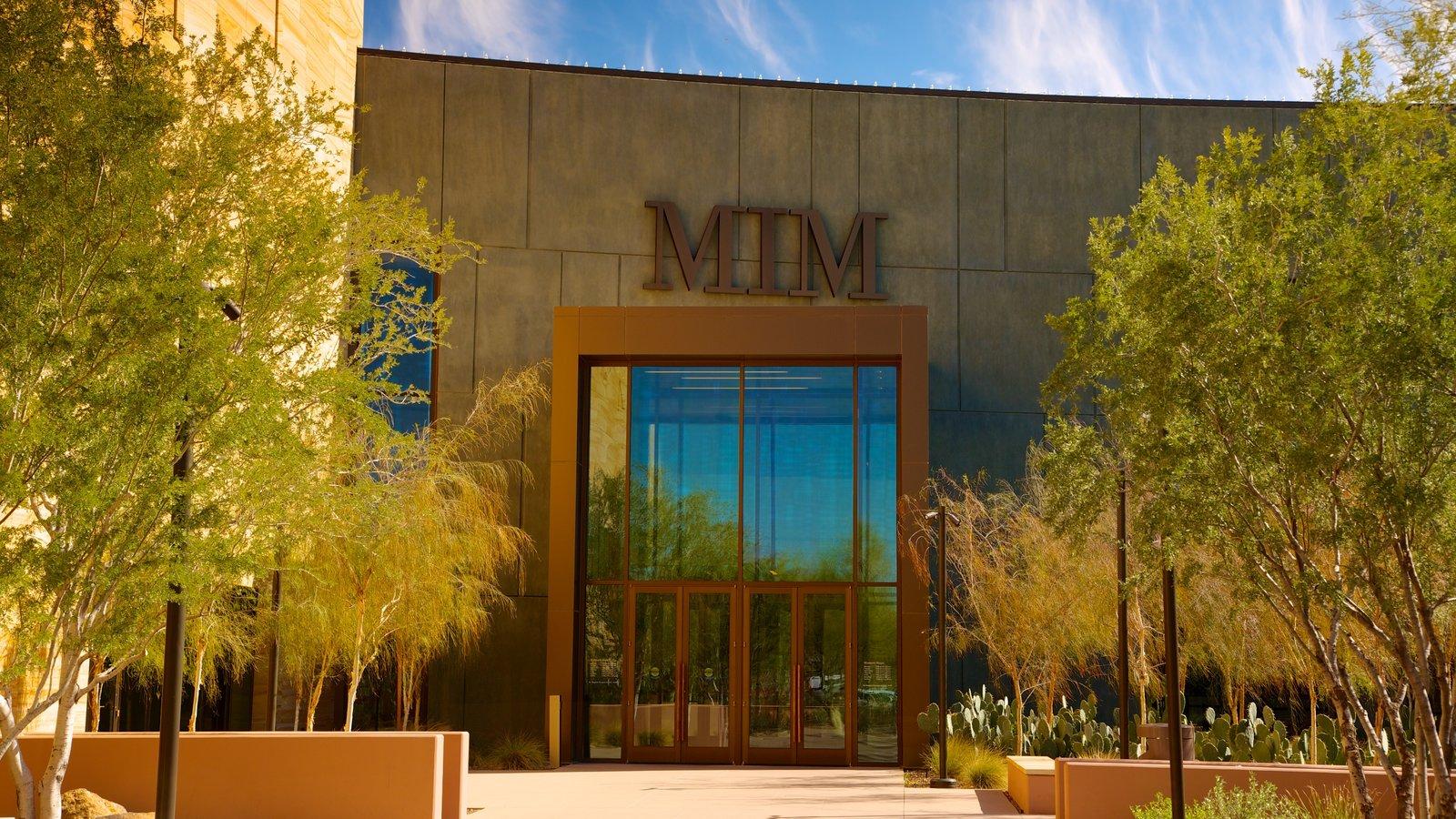 Museu dos Instrumentos Musicais caracterizando sinalização