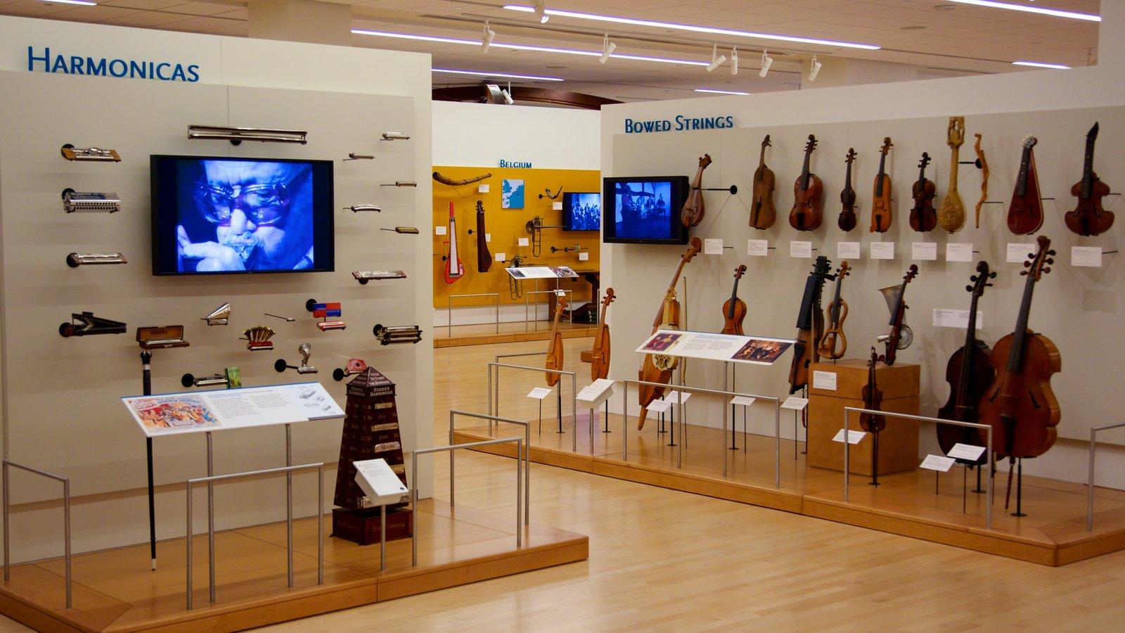Museu dos Instrumentos Musicais que inclui música e vistas internas