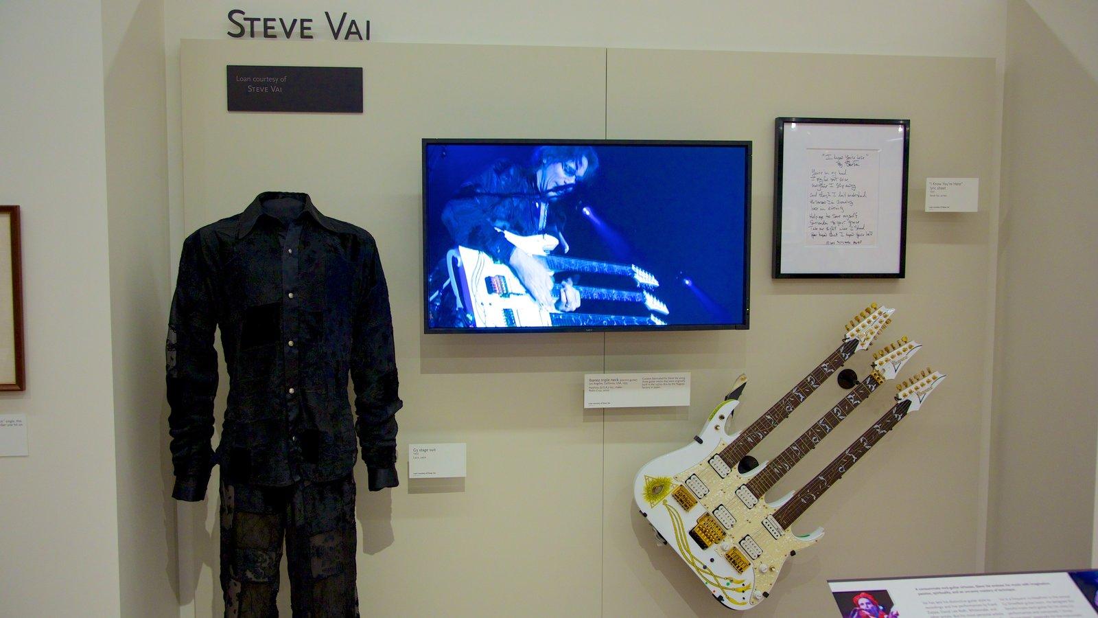 Museu dos Instrumentos Musicais caracterizando música e vistas internas