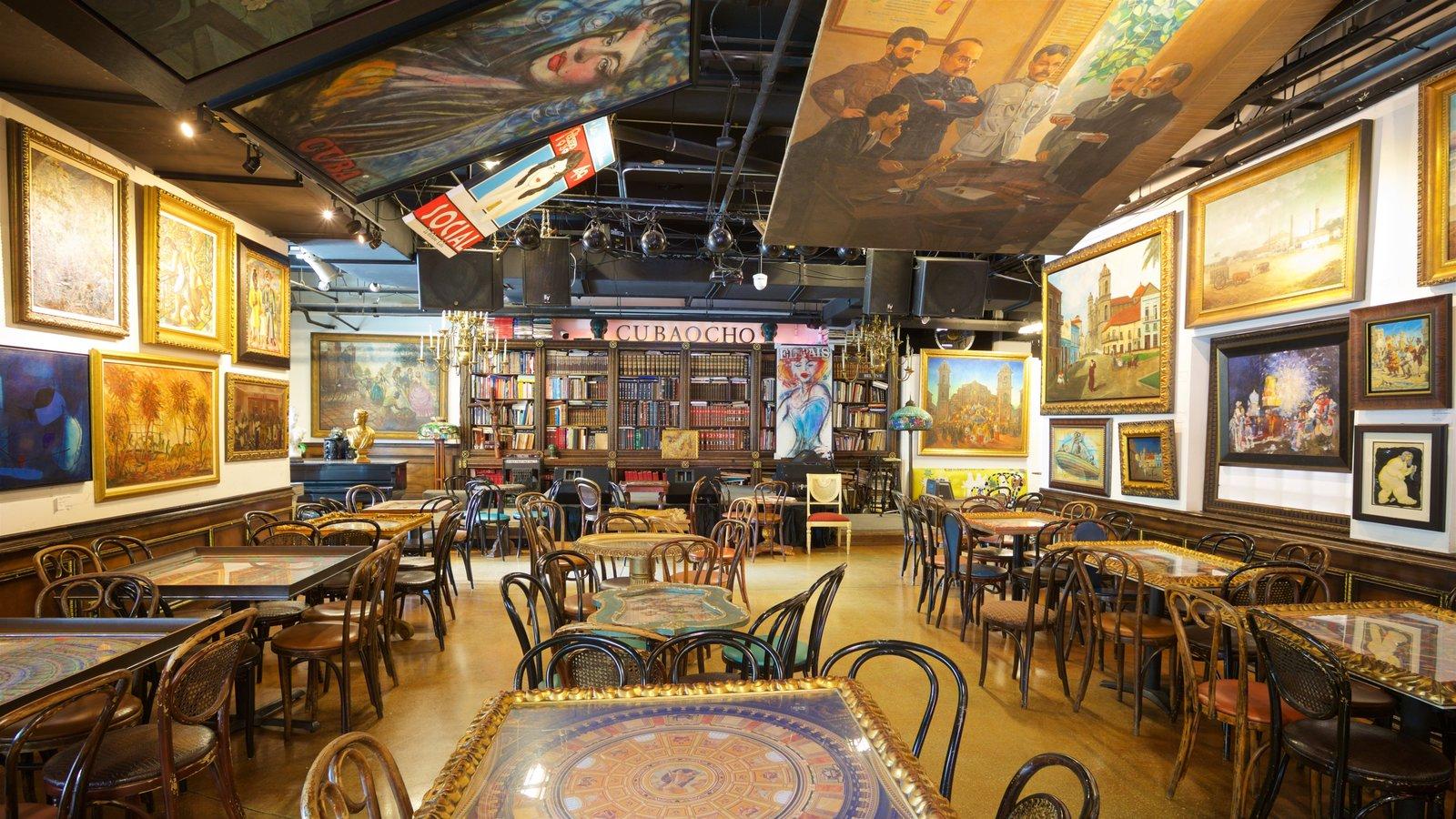 Cuba Ocho mostrando arte y vistas interiores