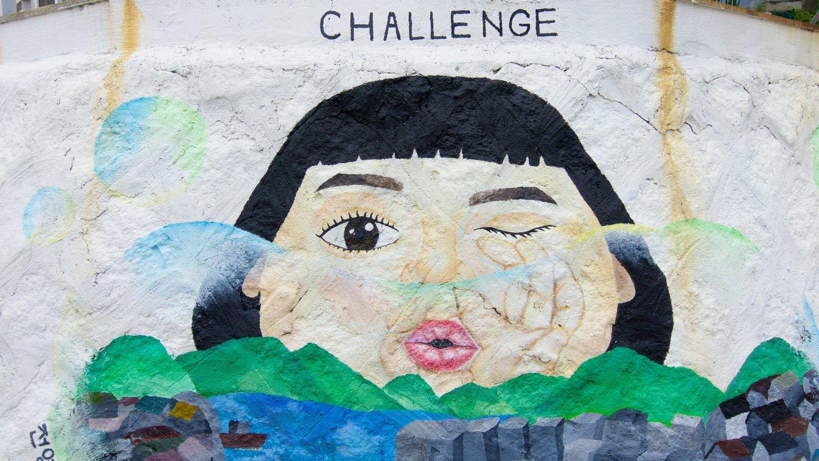 Aldea de muros pintados de Dongpirang ofreciendo arte al aire libre
