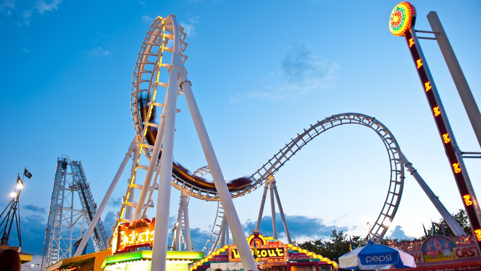 Ocean City which includes rides