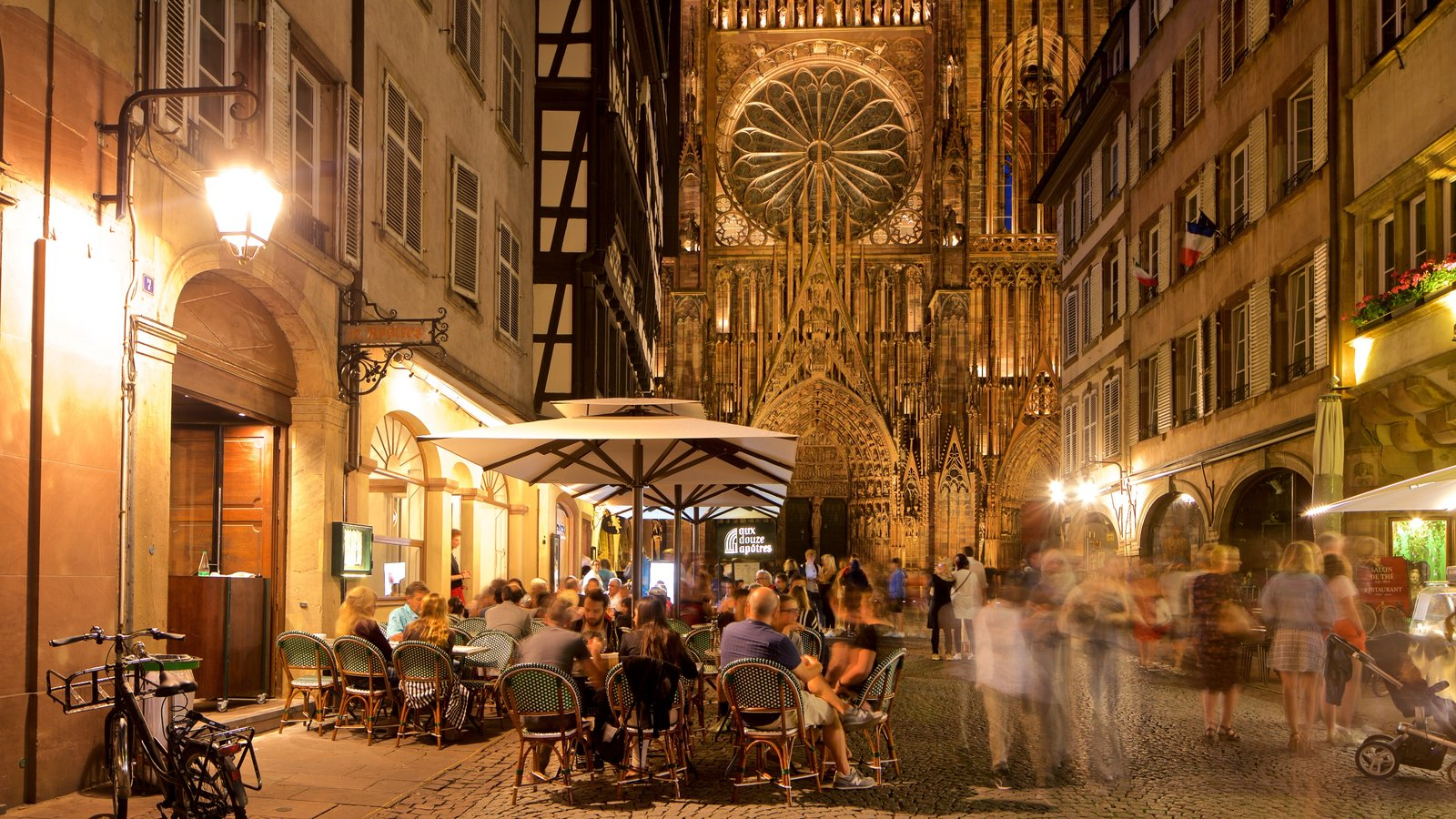 Our Lady of Strasbourg Cathedral showing street scenes, night scenes and a church or cathedral