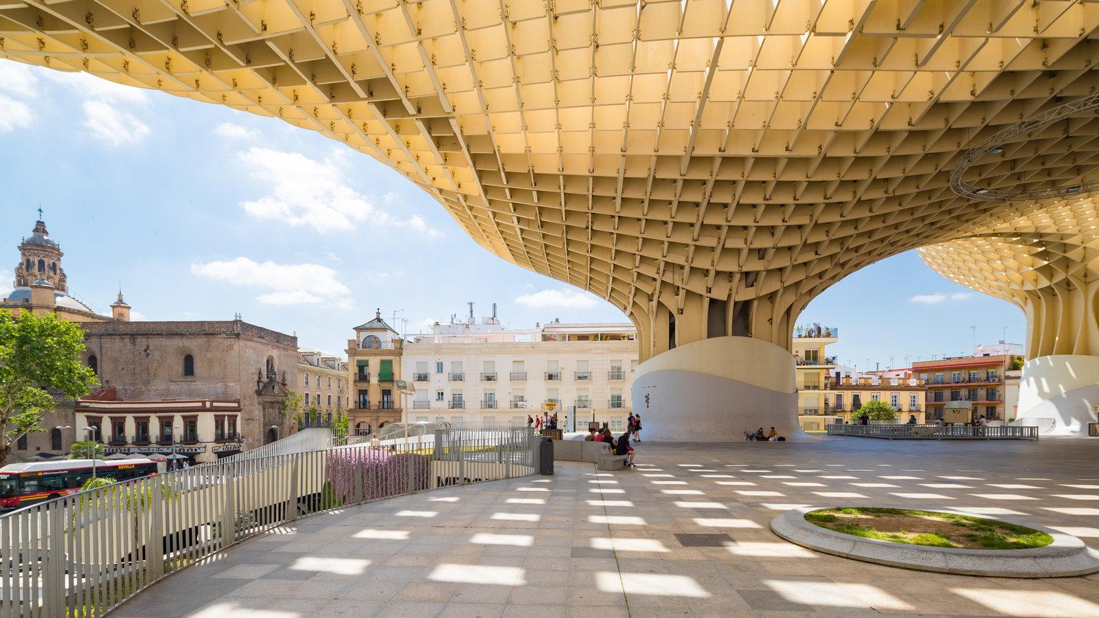 Metropol Parasol ofreciendo arquitectura moderna
