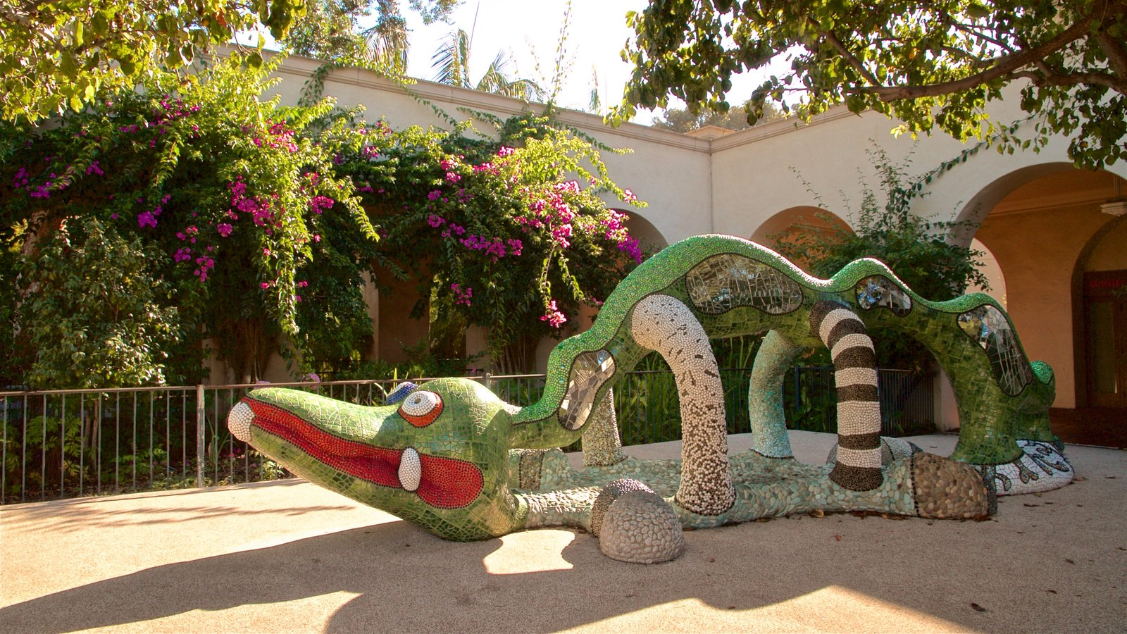 Alcazar Garden que inclui arte ao ar livre