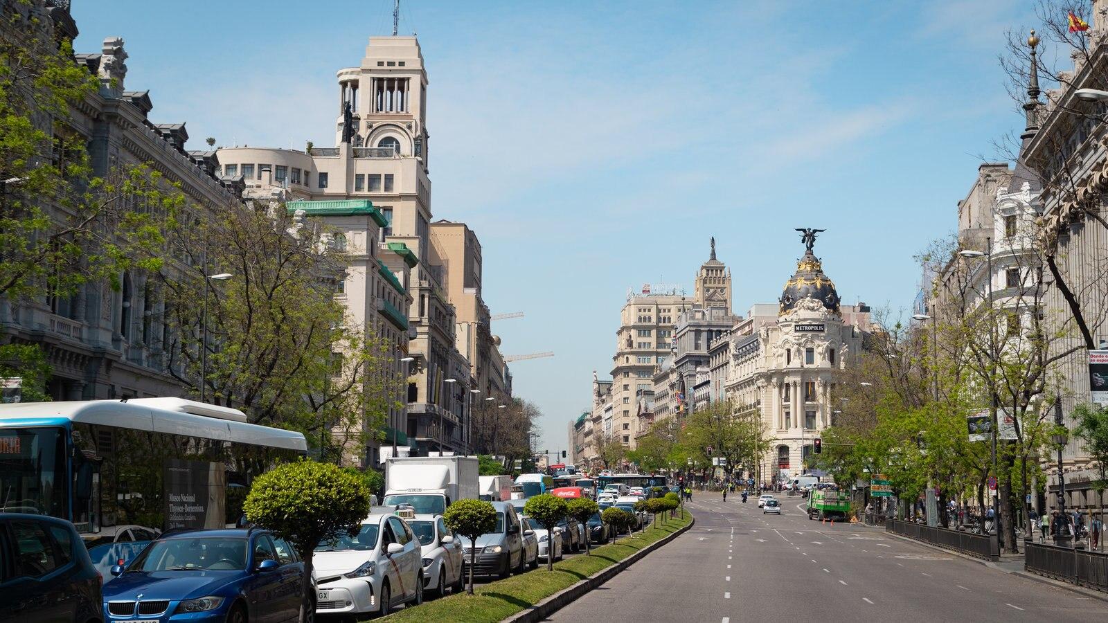 Gran Vía mostrando una ciudad