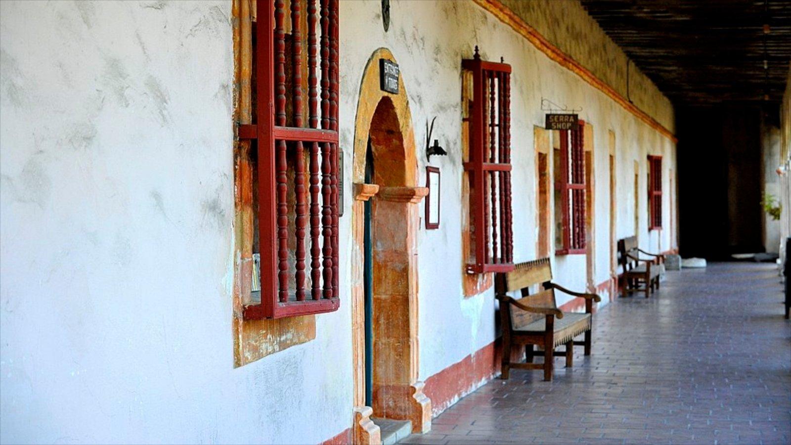 Santa Barbara caracterizando uma casa e arquitetura de patrimônio