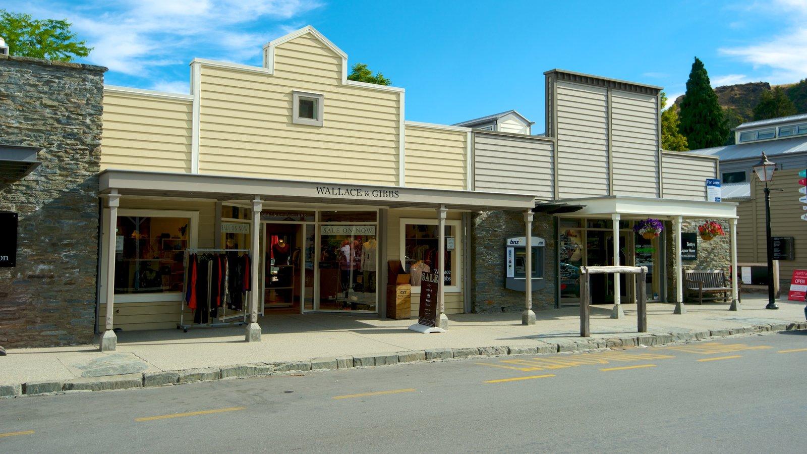 Arrowtown ofreciendo una pequeña ciudad o pueblo