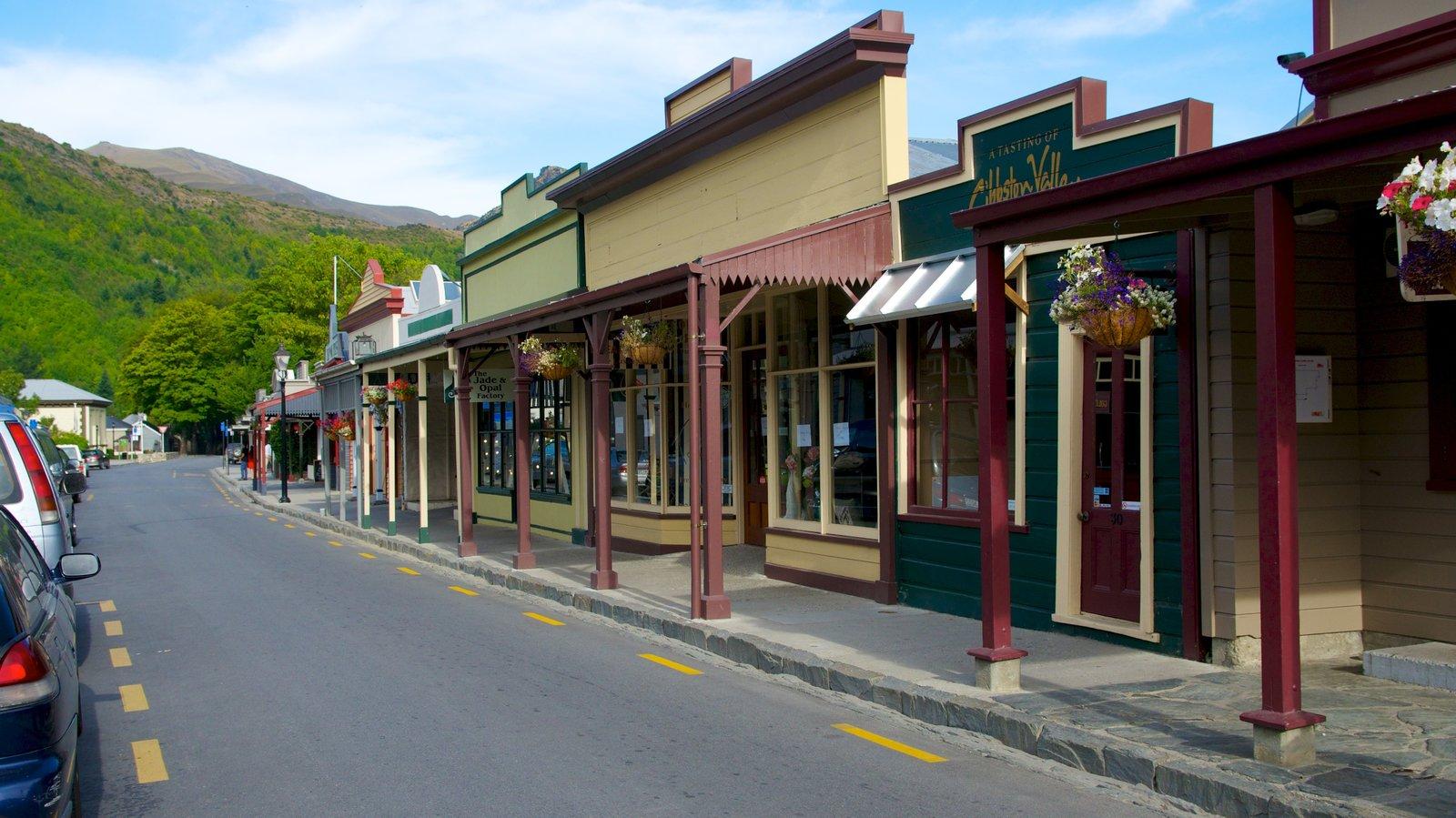 Arrowtown mostrando una pequeña ciudad o pueblo