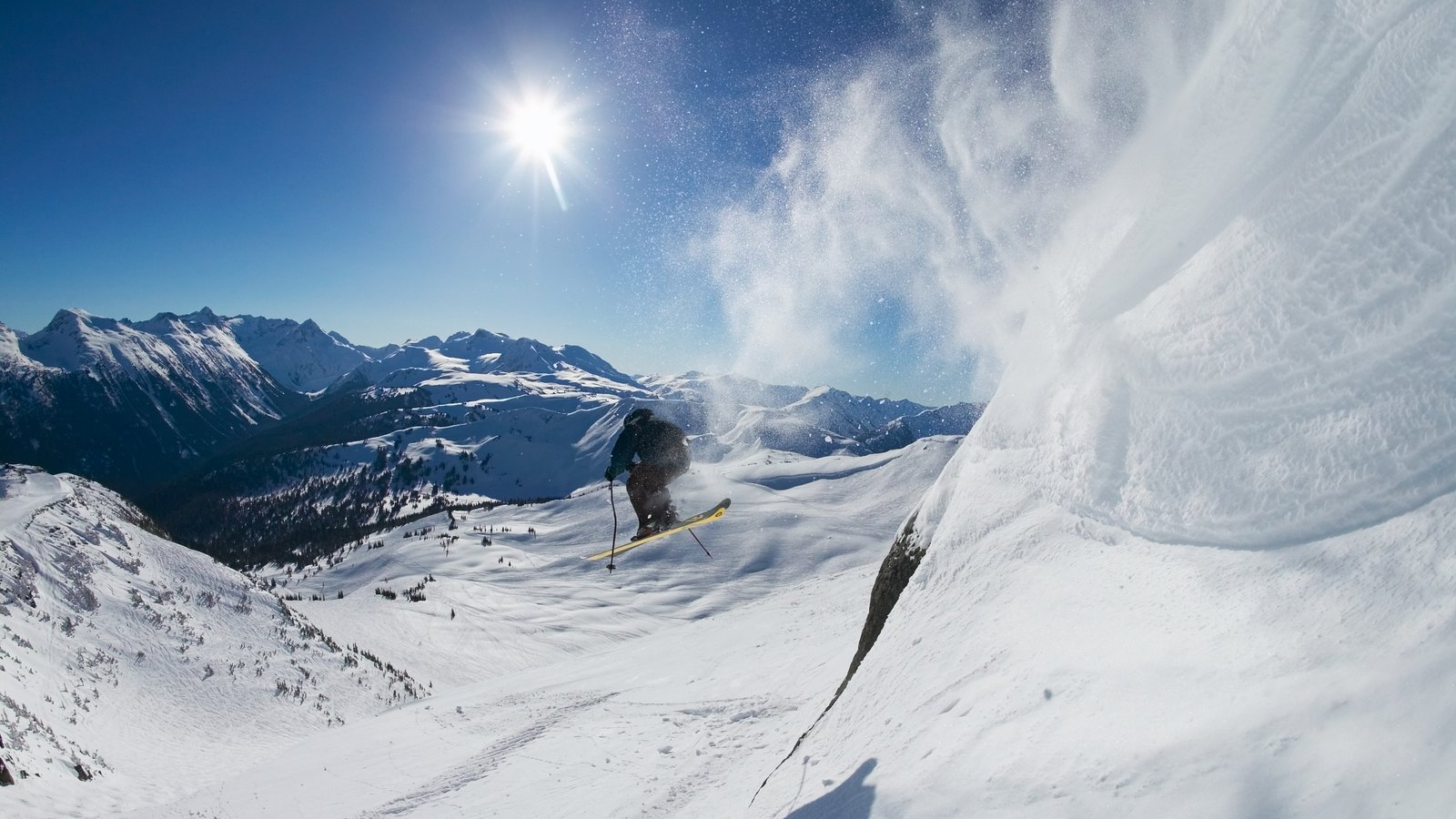 Whistler Blackcomb Ski Resort which includes a sporting event, snow skiing and mountains