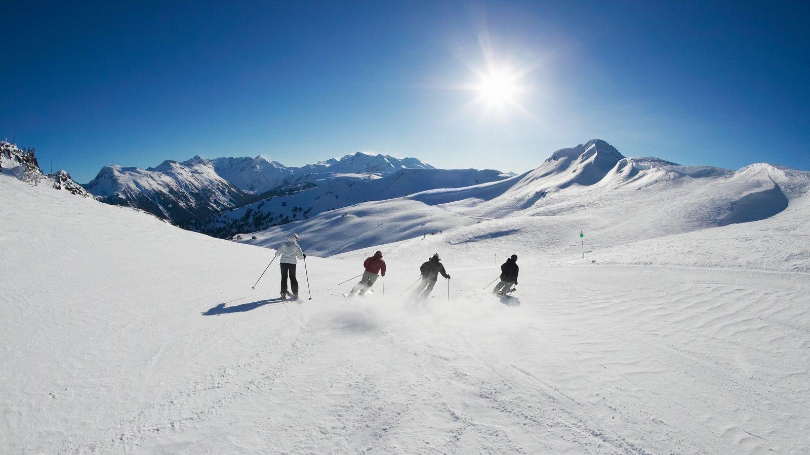 Whistler Blackcomb Ski Resort showing mountains, snow and views