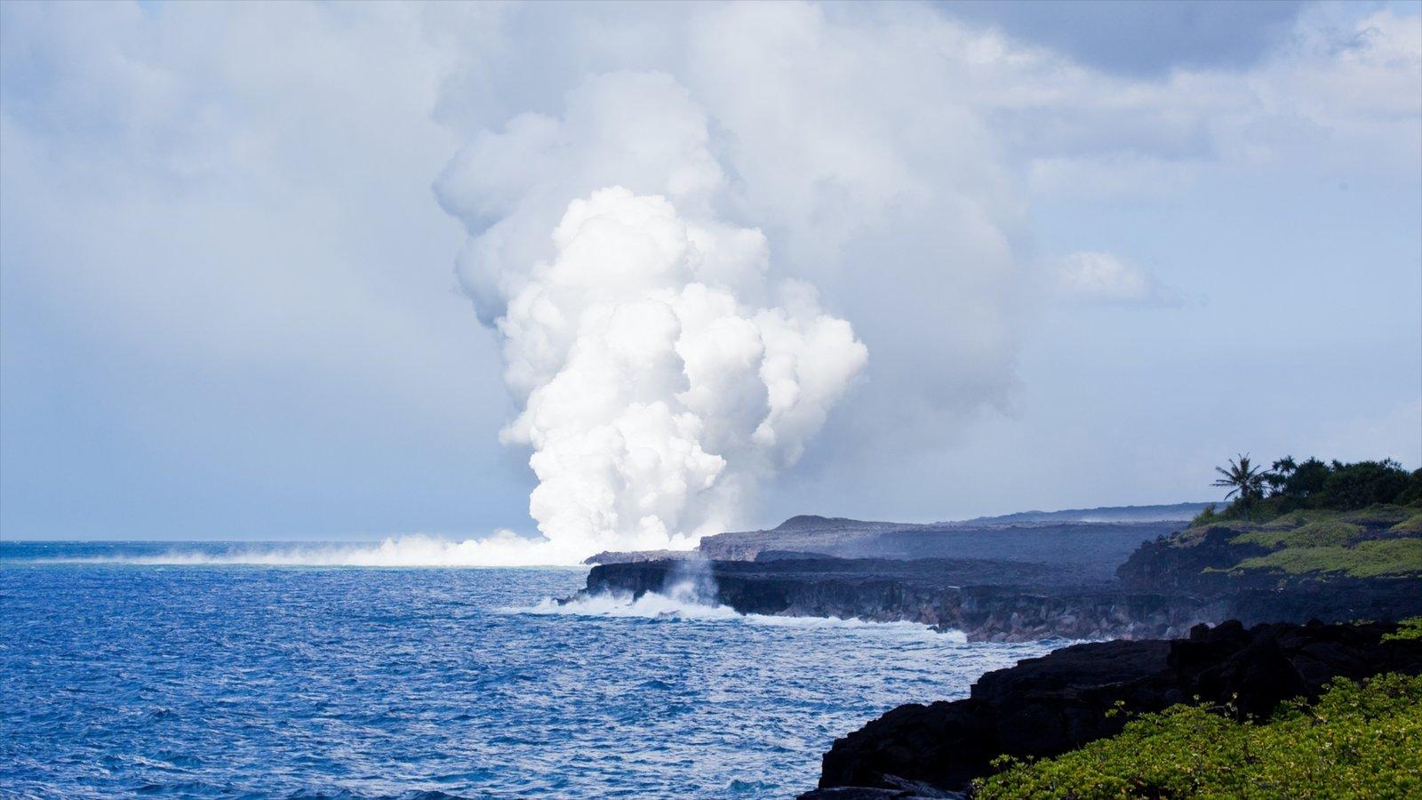 Hawaii Volcanoes National Park caracterizando paisagens litorâneas e paisagem
