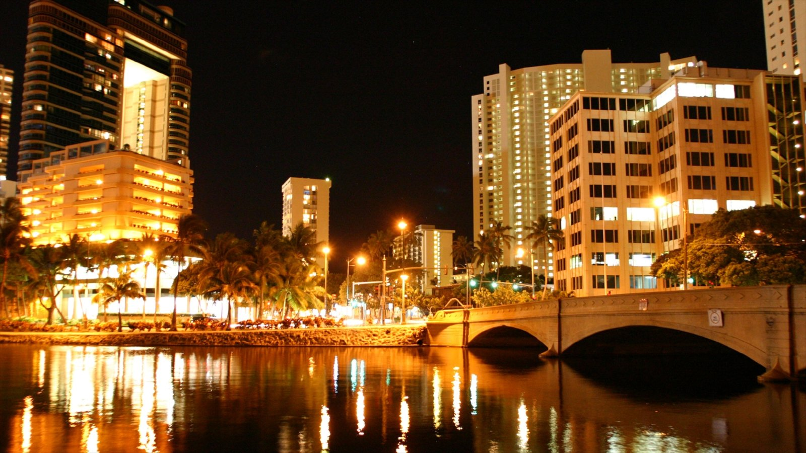 Downtown Pictures: View Images of Hawaii
