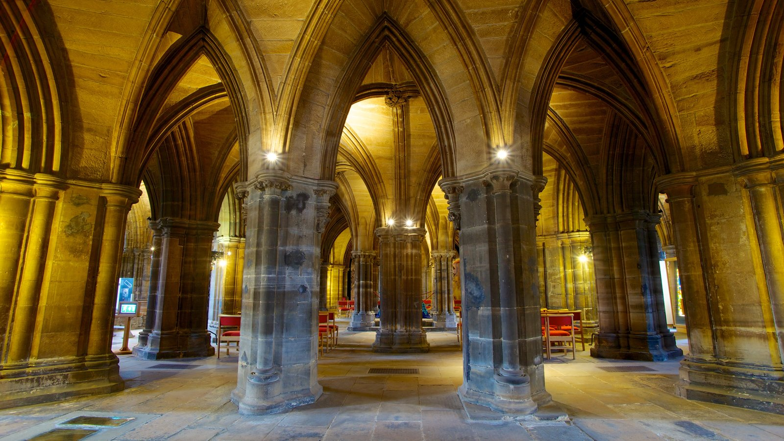 Glasgow Cathedral featuring a church or cathedral, heritage architecture and religious aspects