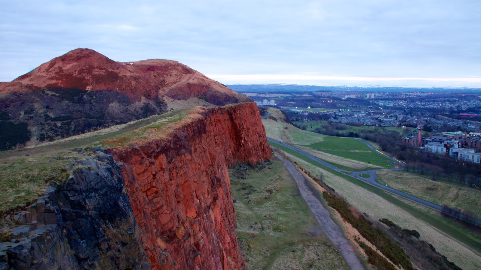 Arthur\\\'s Seat which includes landscape views, views and mountains