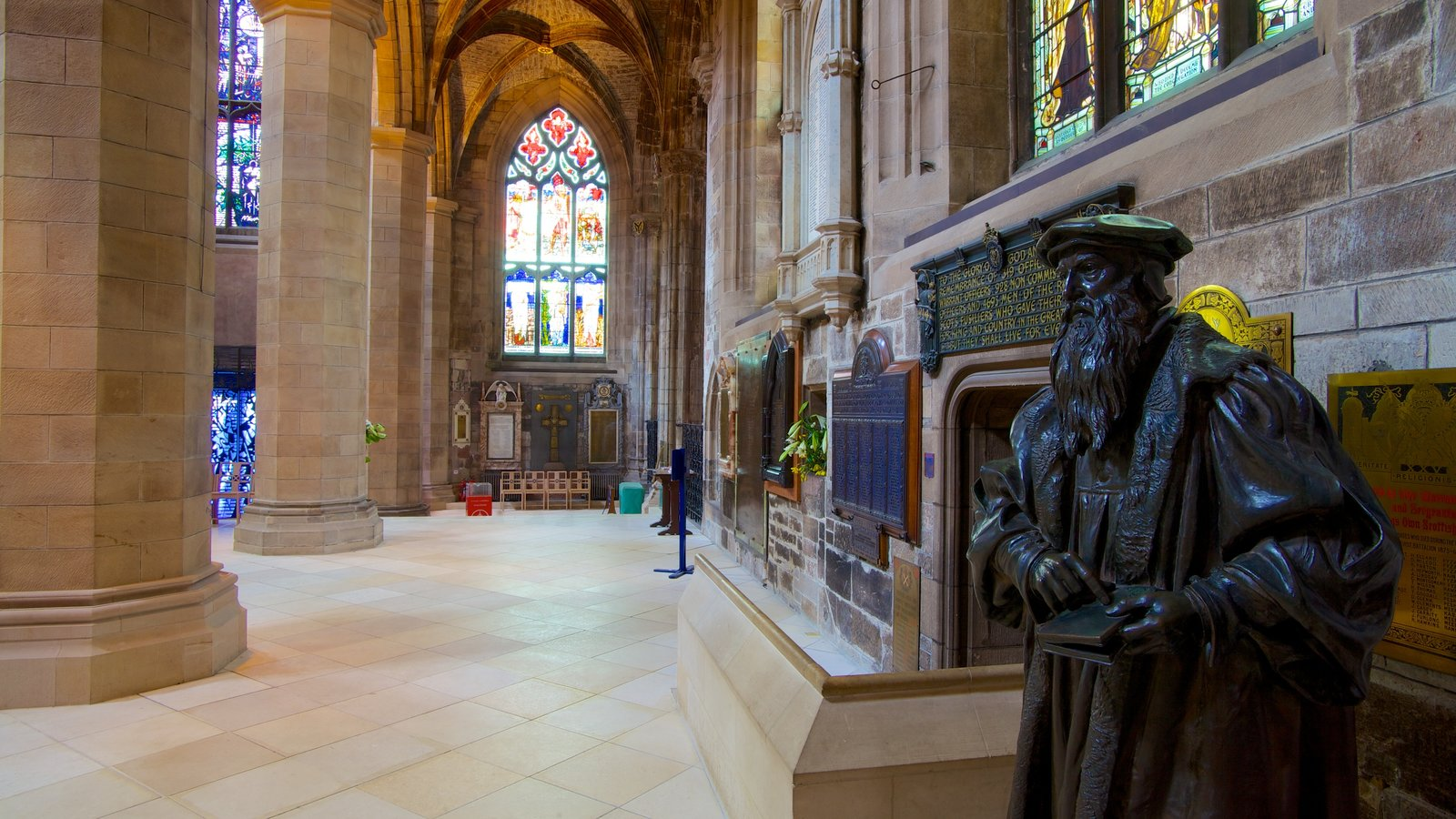 St. Giles\\\' Cathedral which includes interior views, a church or cathedral and religious aspects