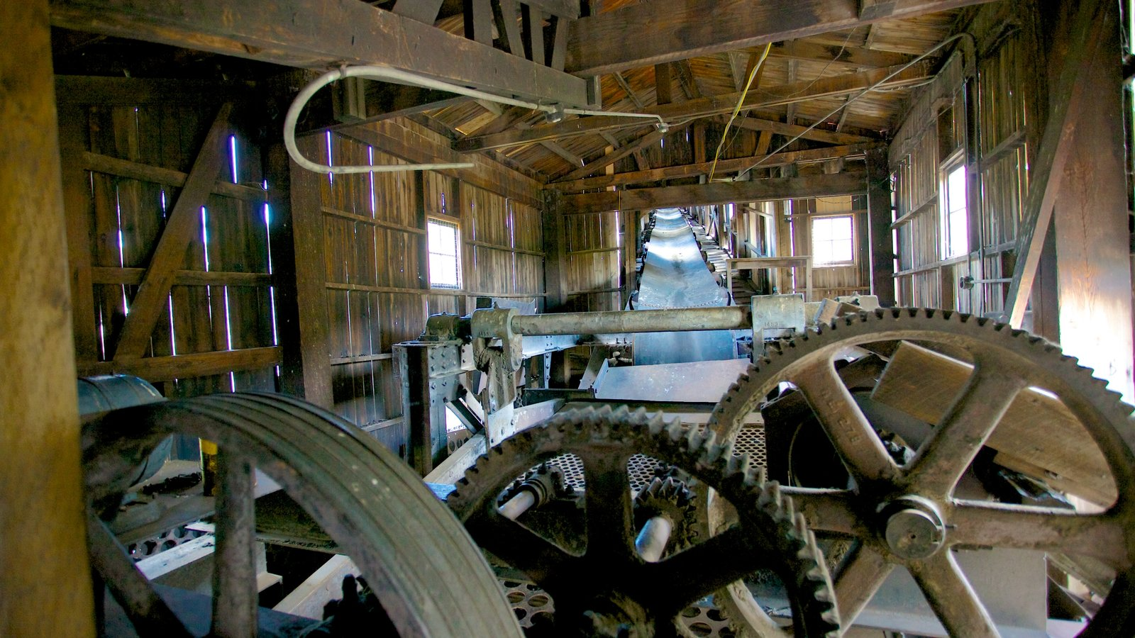 Atlas Coal Mine National Historic Site featuring industrial elements and interior views