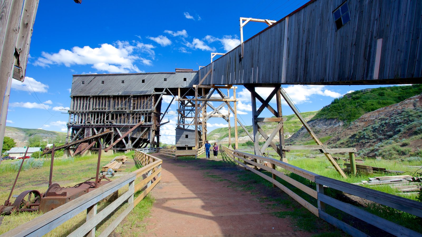 Atlas Coal Mine National Historic Site showing tranquil scenes and industrial elements