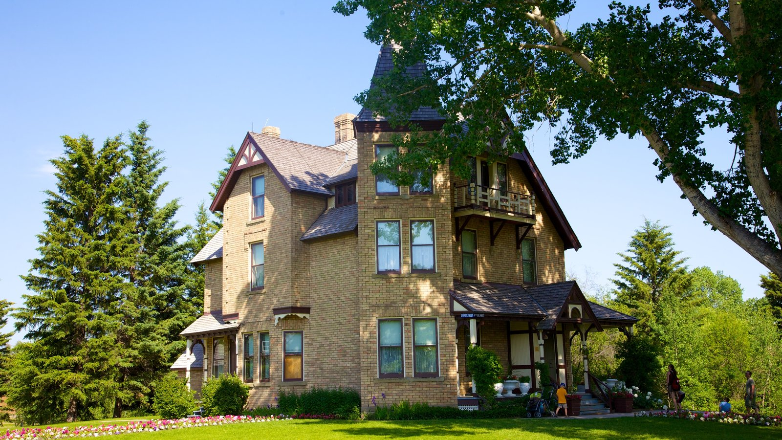 Alberta featuring a house and heritage architecture