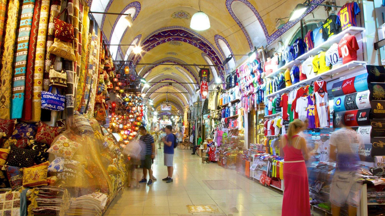 Grand Bazaar showing interior views, shopping and markets