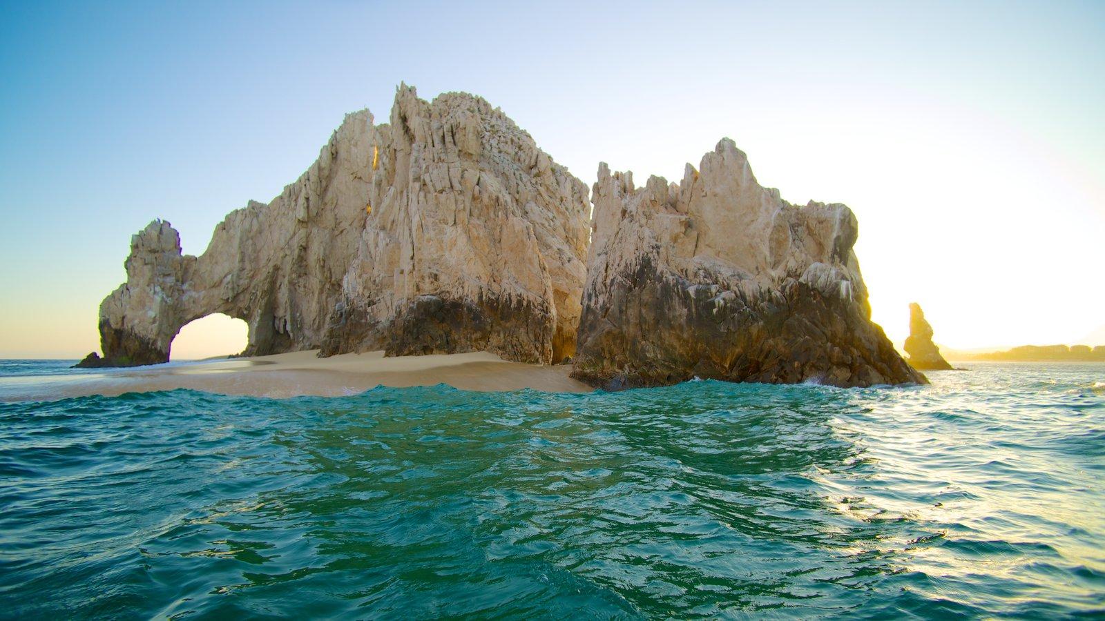 El Arco mostrando vistas de paisajes, vistas de una isla y vistas generales de la costa