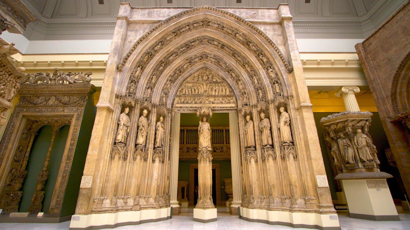 Carnegie Museum of Art mostrando elementos religiosos, arquitetura de patrimônio e vistas internas