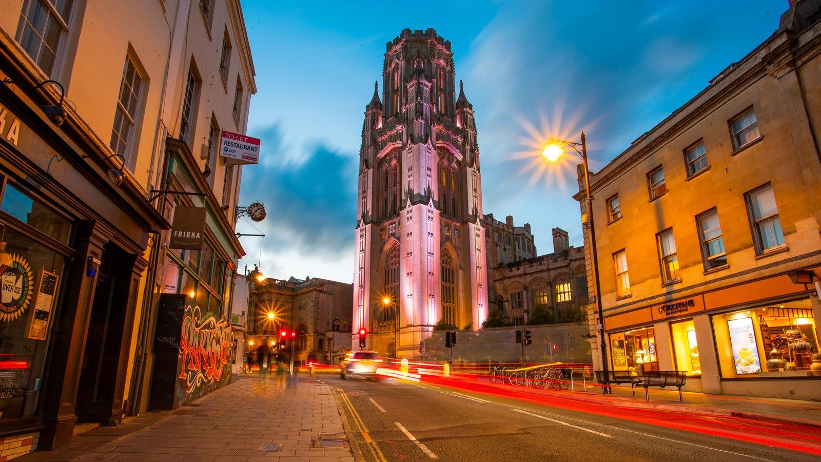 University of Bristol caracterizando arquitetura de patrimônio, cenas noturnas e cenas de rua