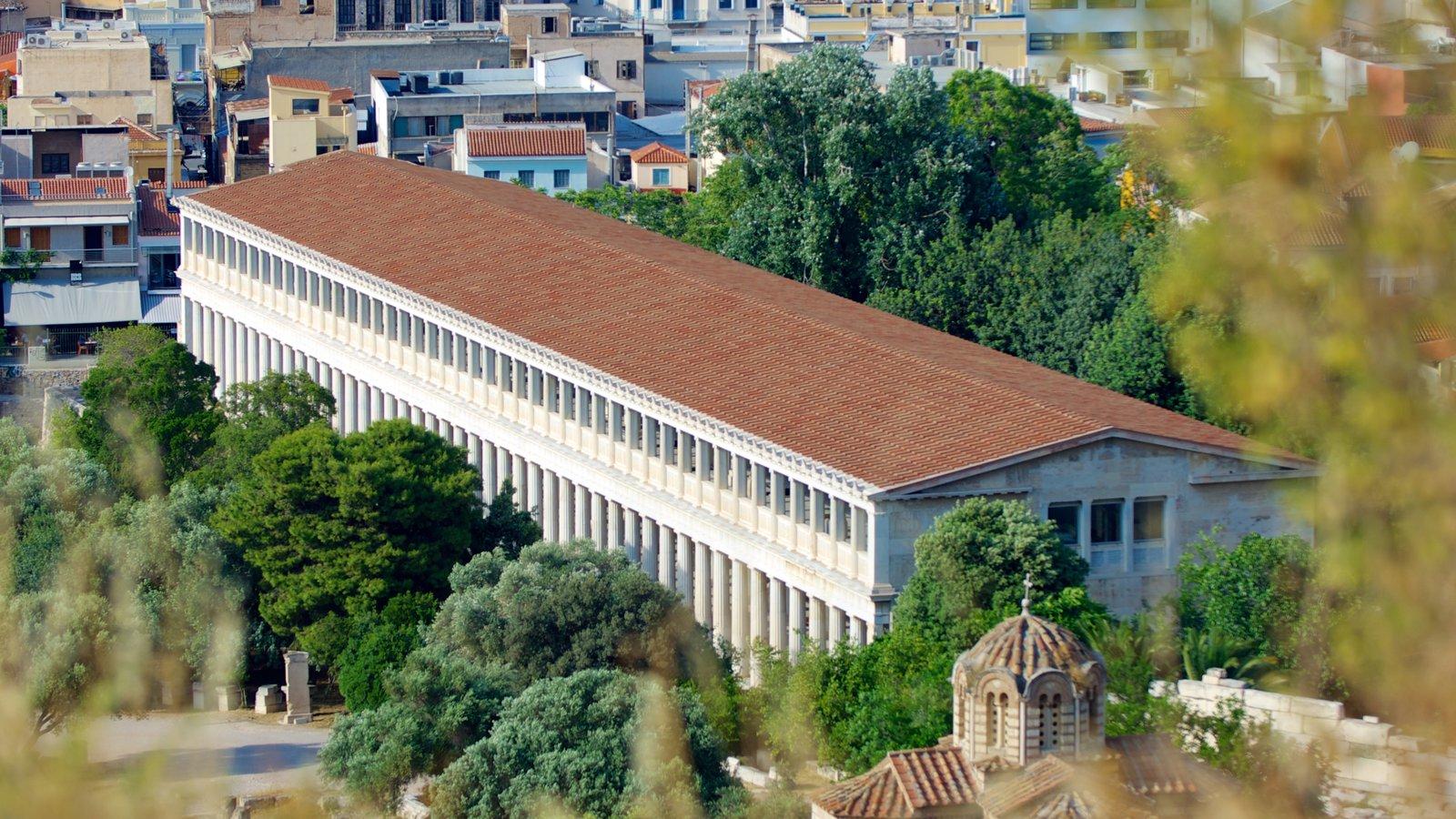 Stoa de Átalo que inclui paisagem, arquitetura de patrimônio e uma cidade