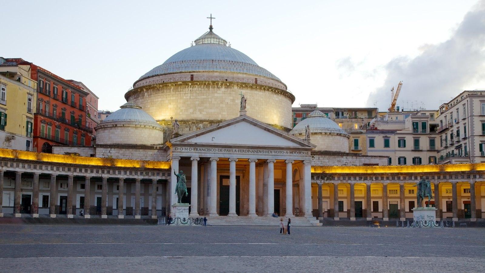 San Francesco di Paola mostrando uma igreja ou catedral e cenas de rua