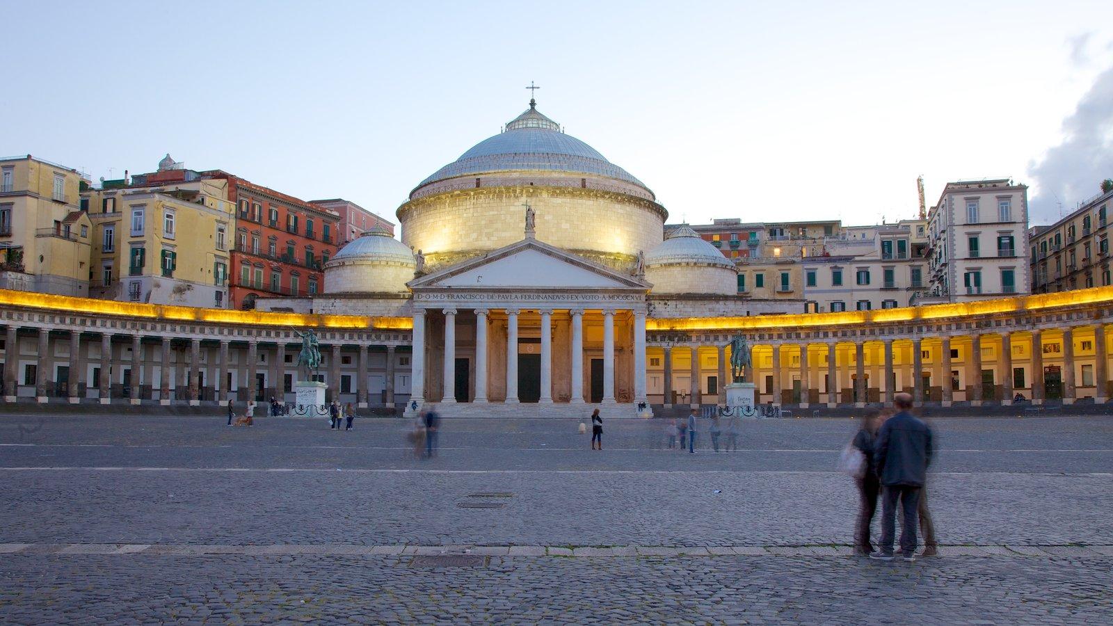 San Francesco di Paola mostrando uma igreja ou catedral e uma praça ou plaza