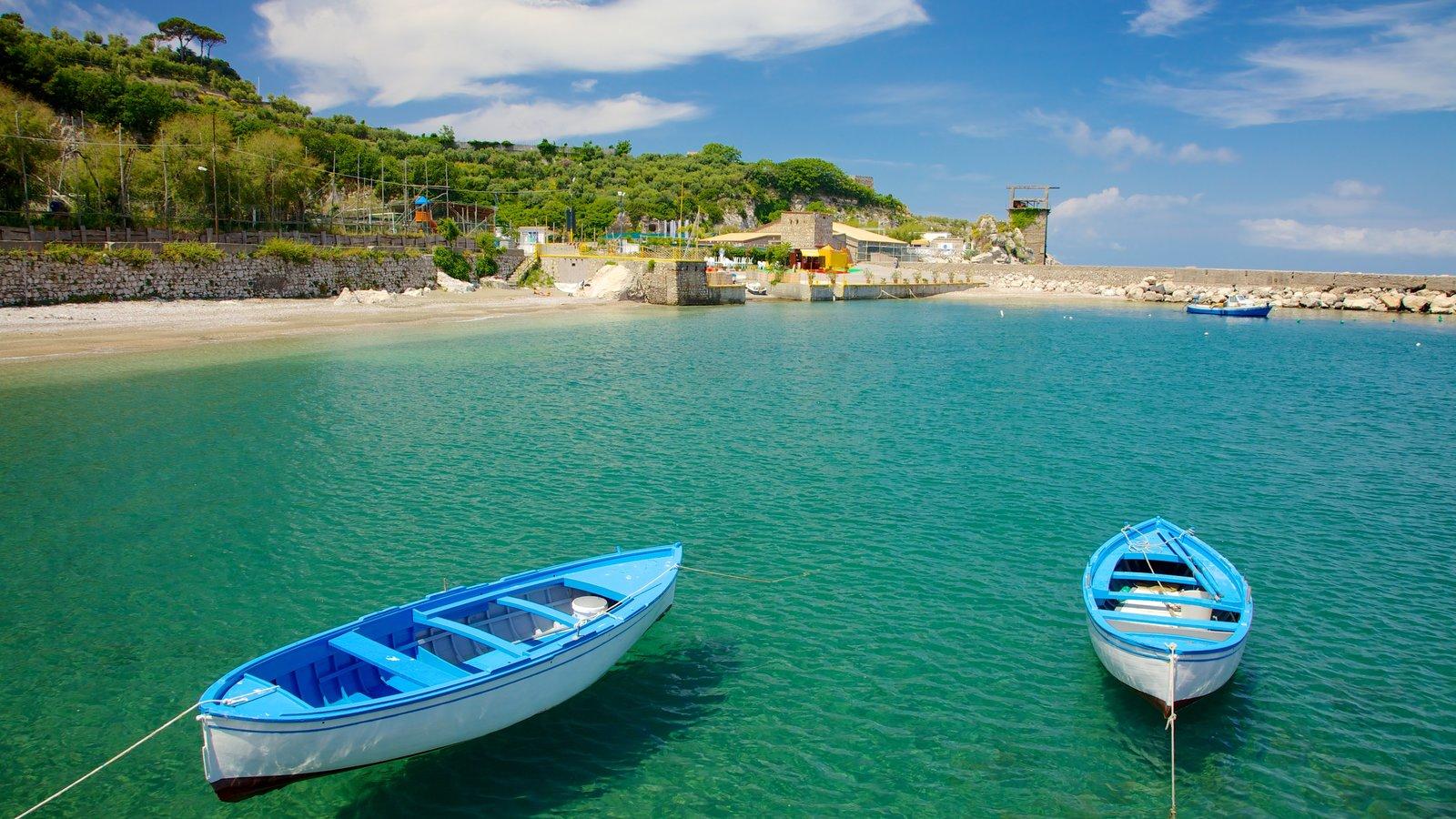 Sorrento showing general coastal views and boating