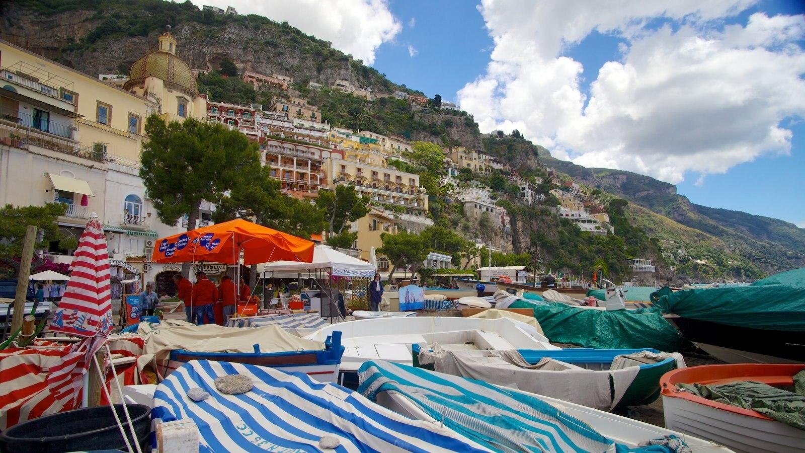 Positano featuring a coastal town