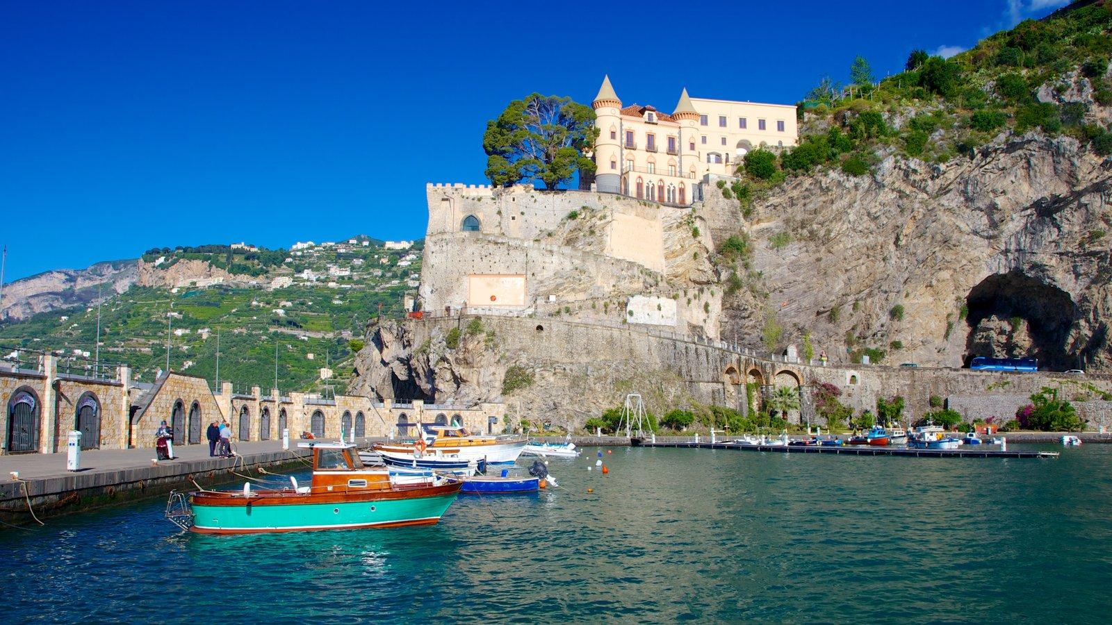 Maiori showing a coastal town, boating and general coastal views